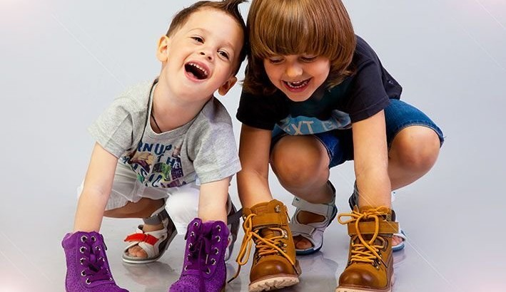 Яким має бути дитяче взуття та як його обира - Корисні поради ... 2f2798c19cb47